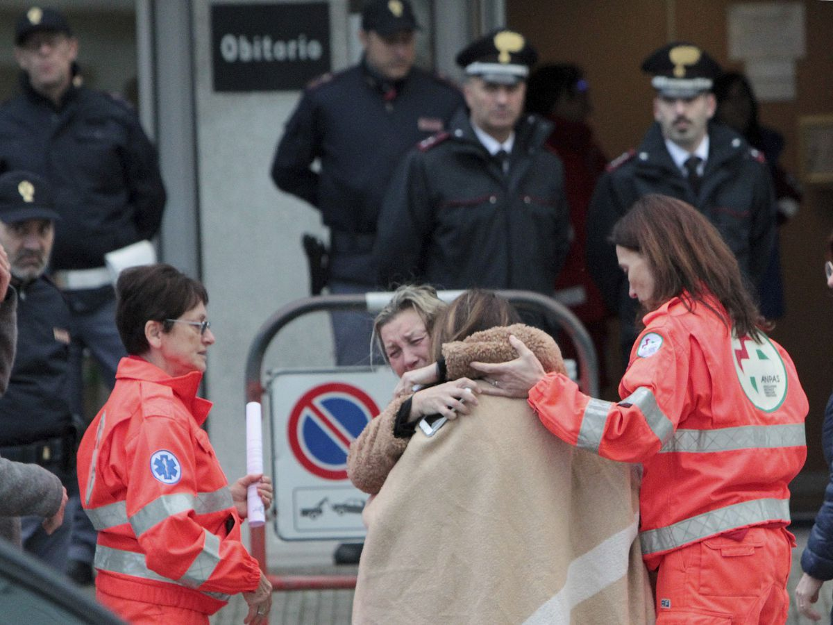Italian police question witnesses in deadly disco stampede