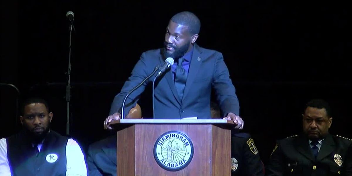 Remembering Sgt. Carter: B'ham mayor Woodfin speaks at funeral