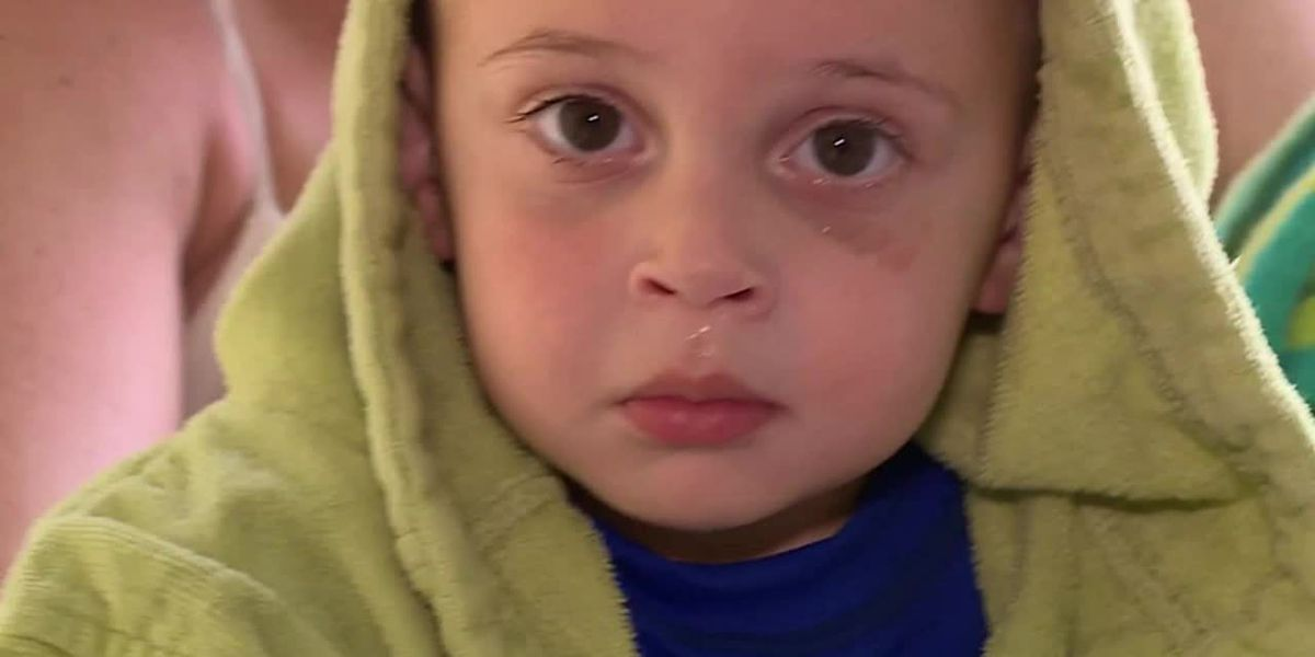 Toddler saves himself from drowning