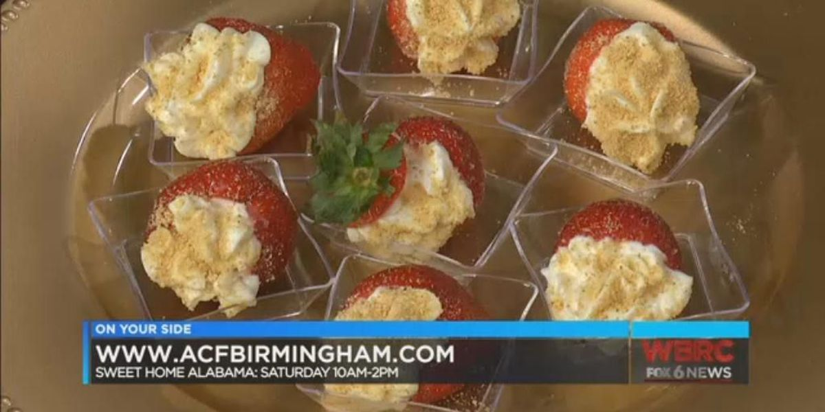 Kym's Kreations: Cheesecake Stuffed Strawberries
