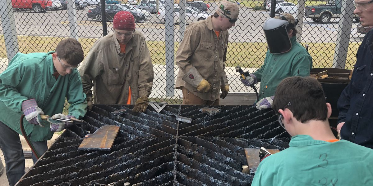 Tuscaloosa County eighth graders celebrate career tech day