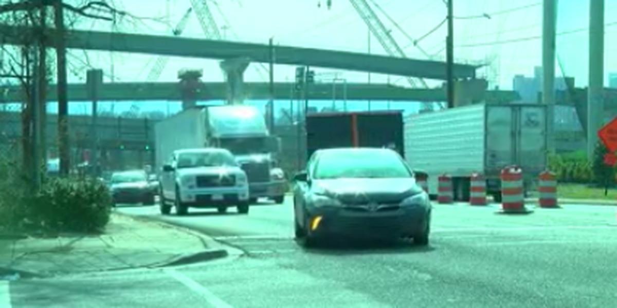 Big trucks causing issues on 59/20 bridge detour