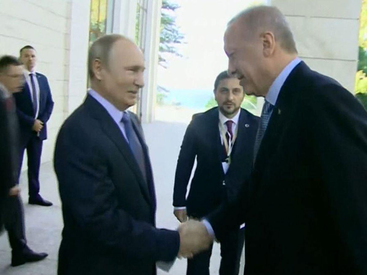 Russia, Turkey leaders hold talks on fate of Syria border