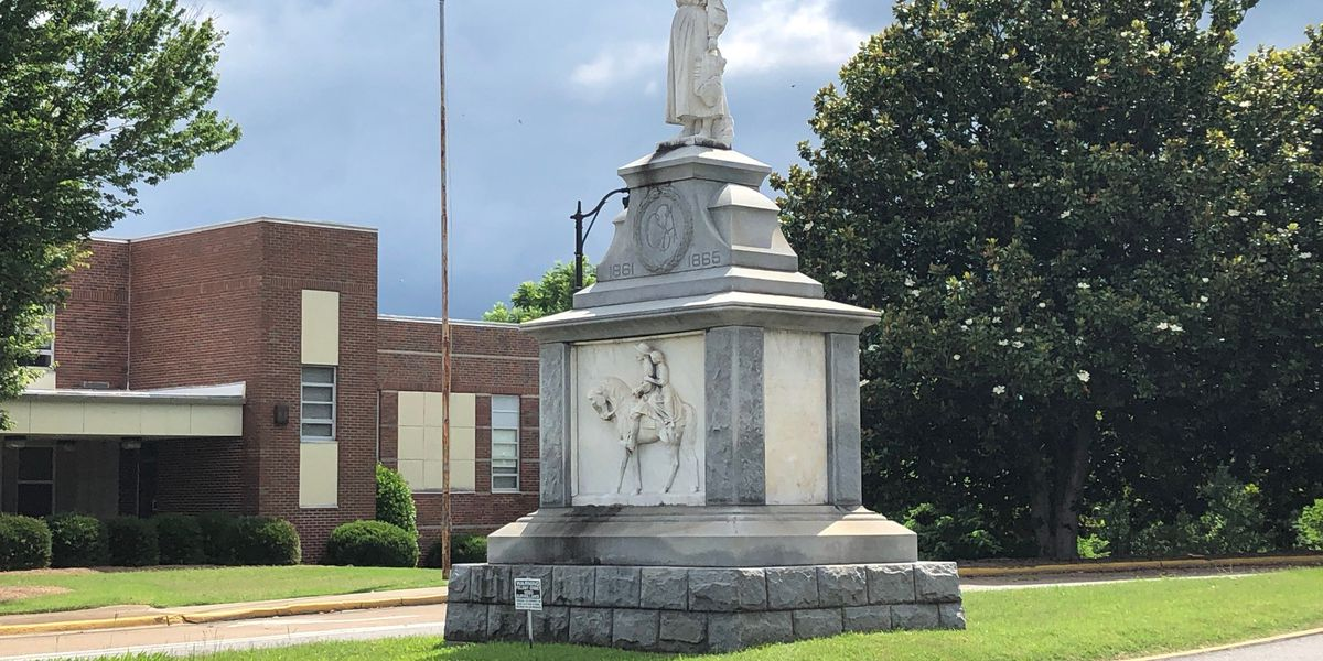 Discussion continues over whether to remove Emma Sansom monument from downtown Gadsden