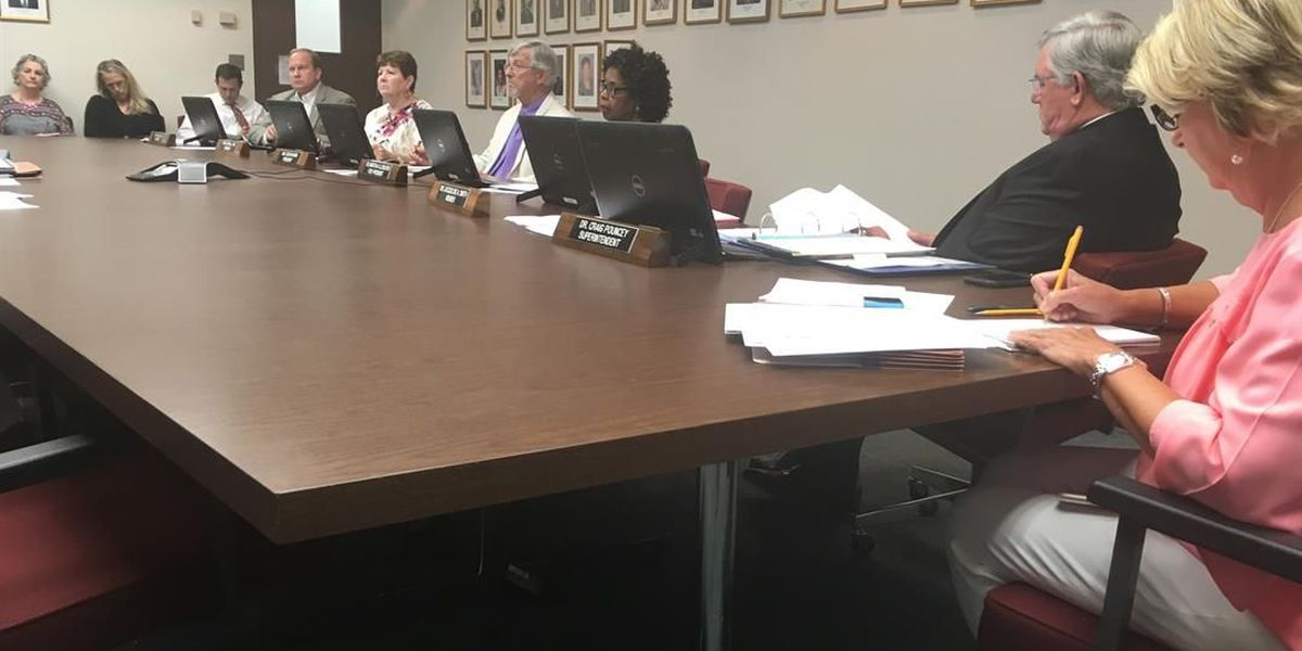 JeffCo BOE holds meeting regarding social media policy of board members