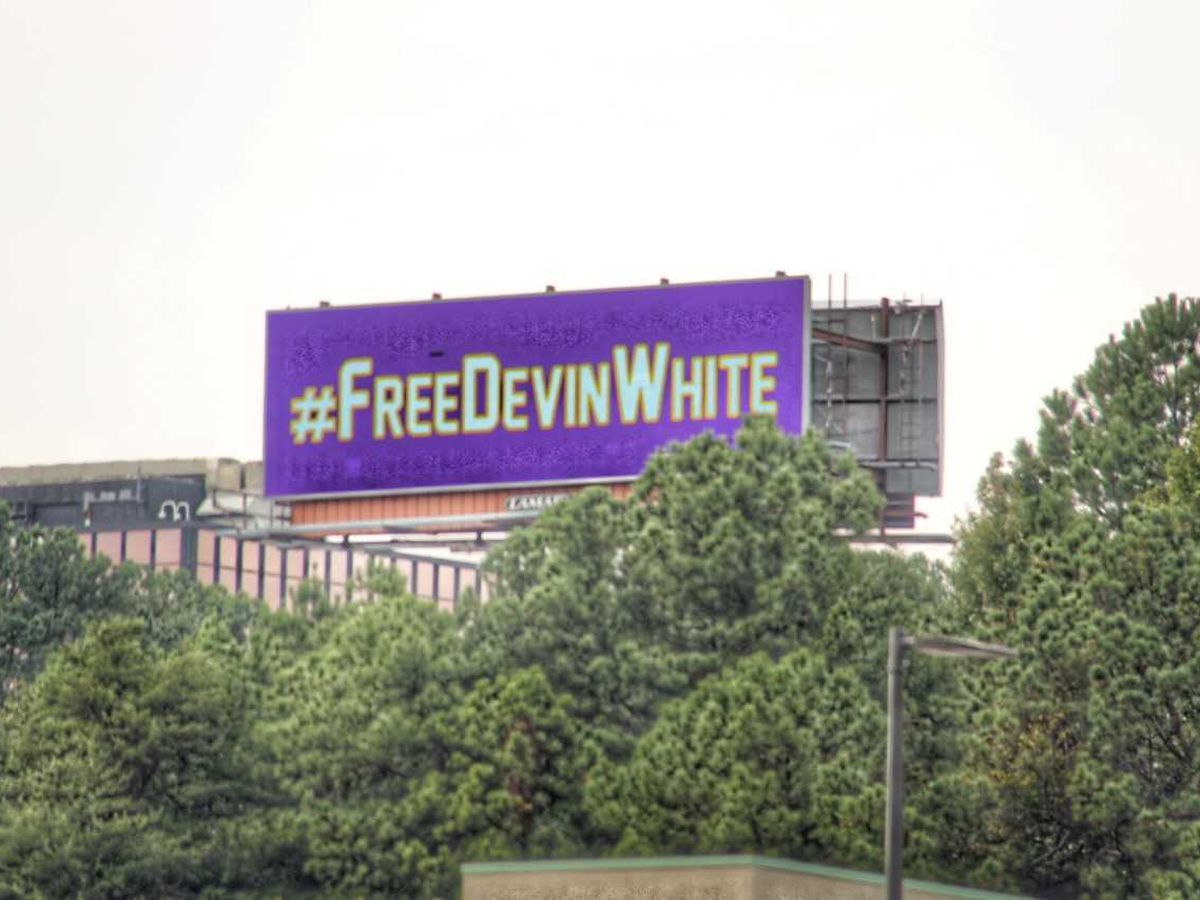 LSU fans purchase #FreeDevinWhite billboard in Birmingham