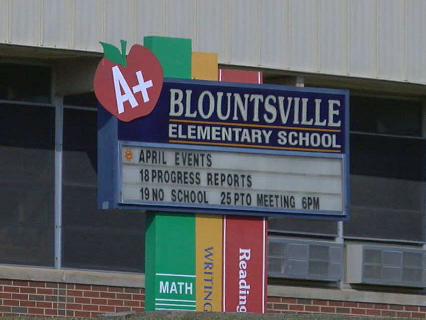 Substitute teacher's gun goes off in Blount County classroom