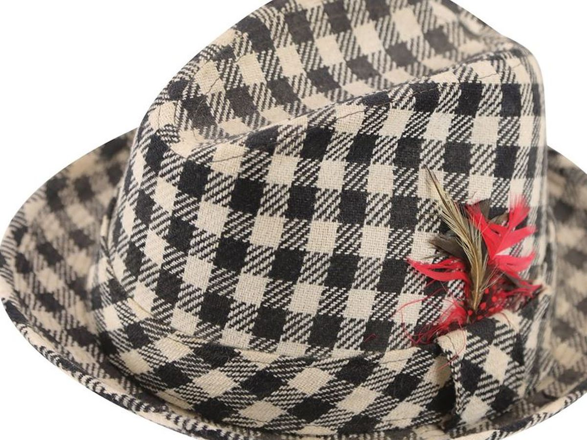 One of Bear Bryant's Houndstooth hats up for auction