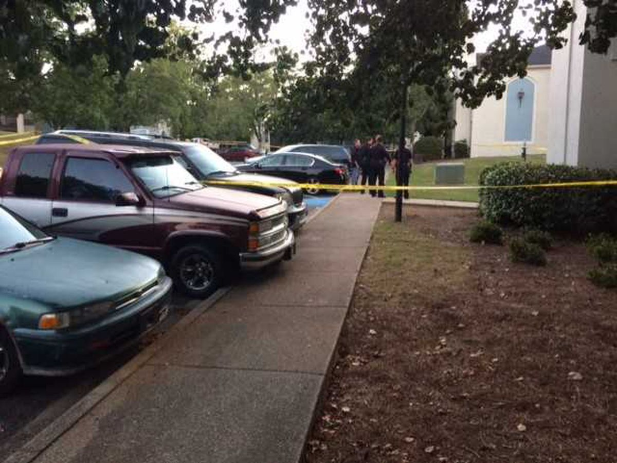 Police investigating fatal shooting at Hoover apartment complex