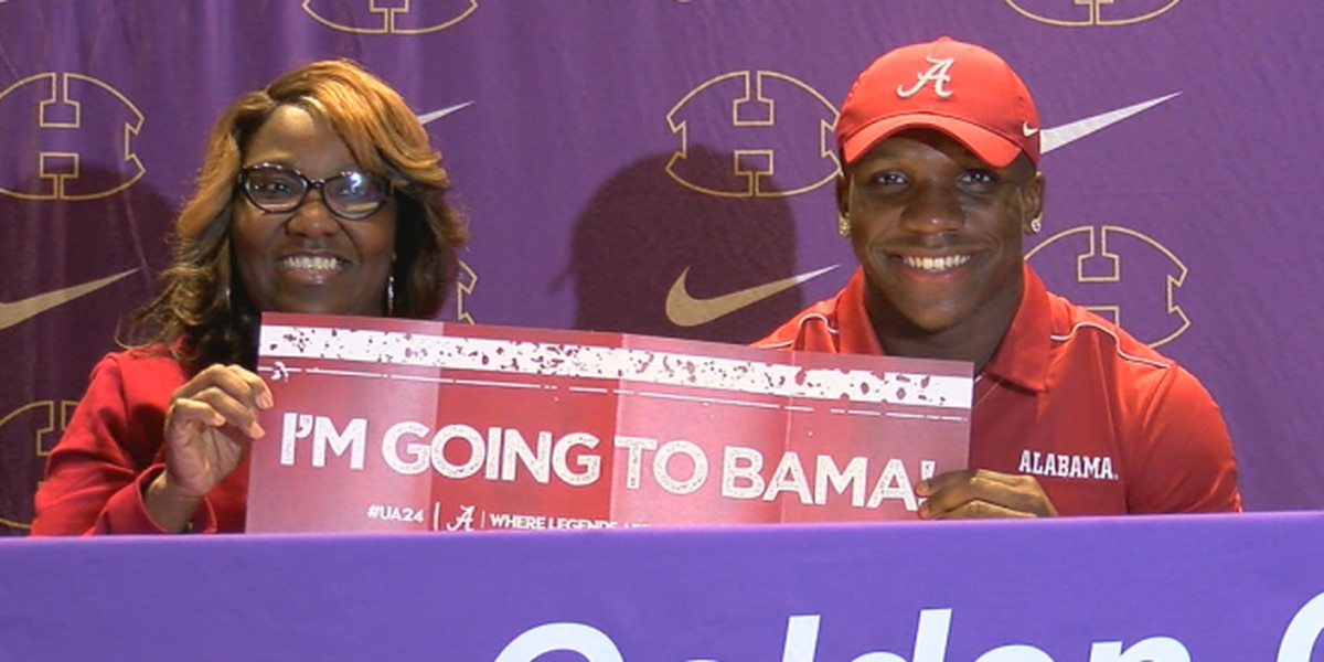 Hueytown star RB Roydell Williams signs with Alabama