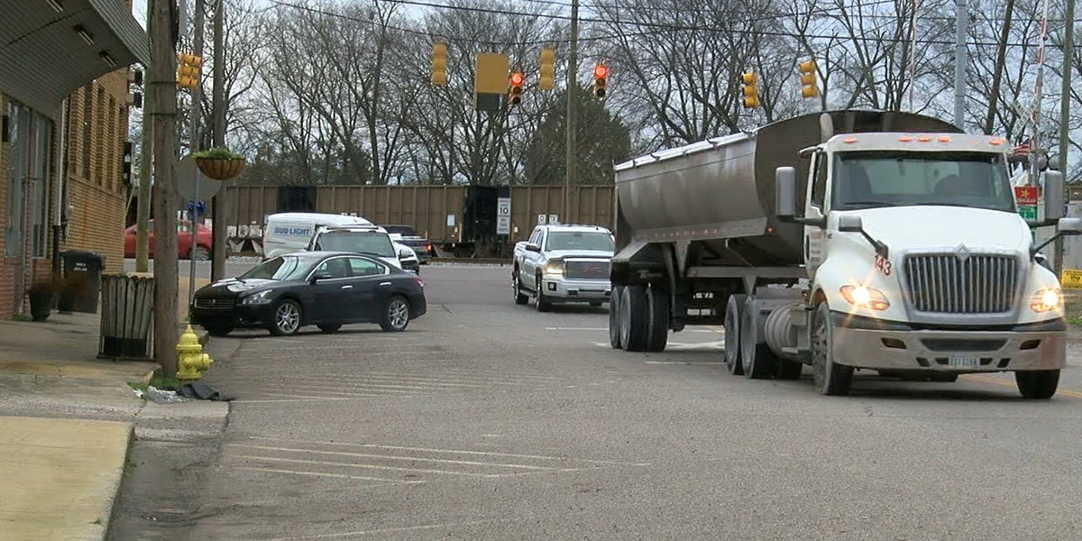 Calera works to alleviate 18-wheeler traffic through downtown with new road