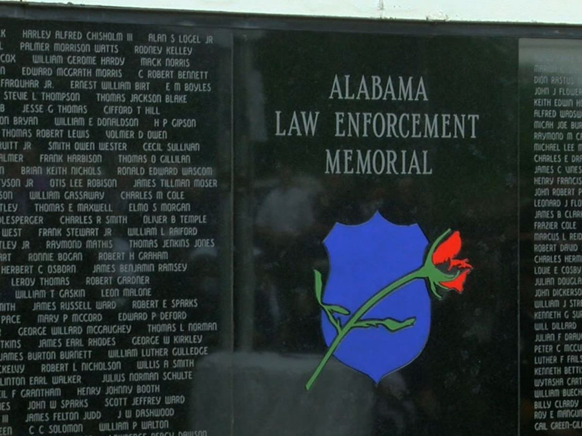 Law enforcement across Ala. gathers to honor 11 fallen officers