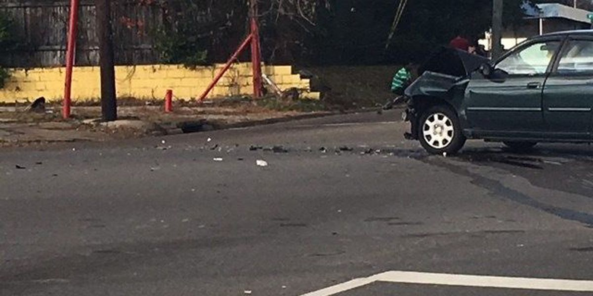 High-speed chase ends in crash in Tuscaloosa; 2 hospitalized