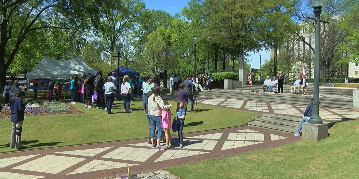 Crime victims, families honored at Linn Park