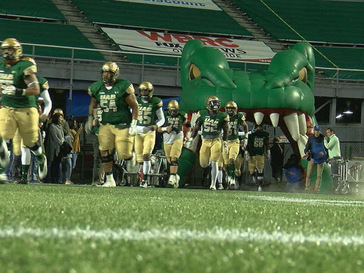 UAB can't overcome early miscues, falls to Texas A&M 41-20