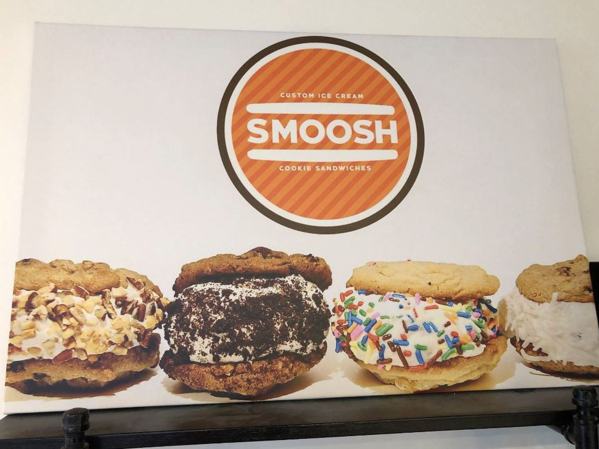 SMOOSH: Custom ice cream cookie sandwiches with flair