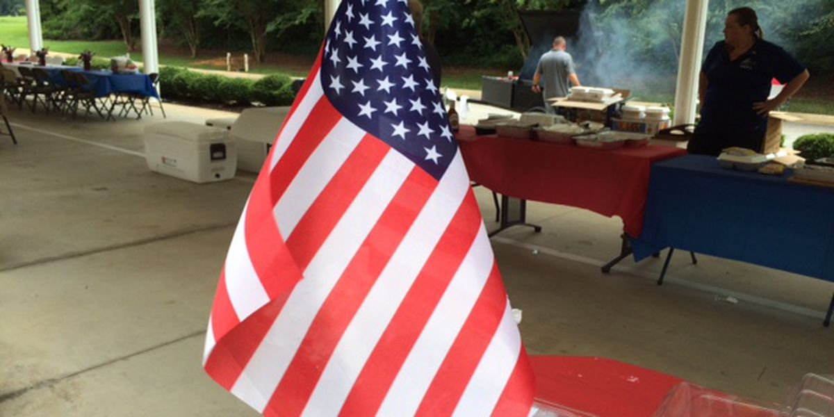 Tuscaloosa funeral home hosts responders cookout