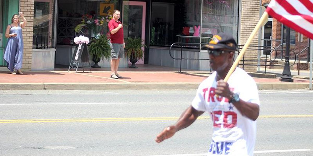 Veteran carries flag throughout Arkansas, spreading unity
