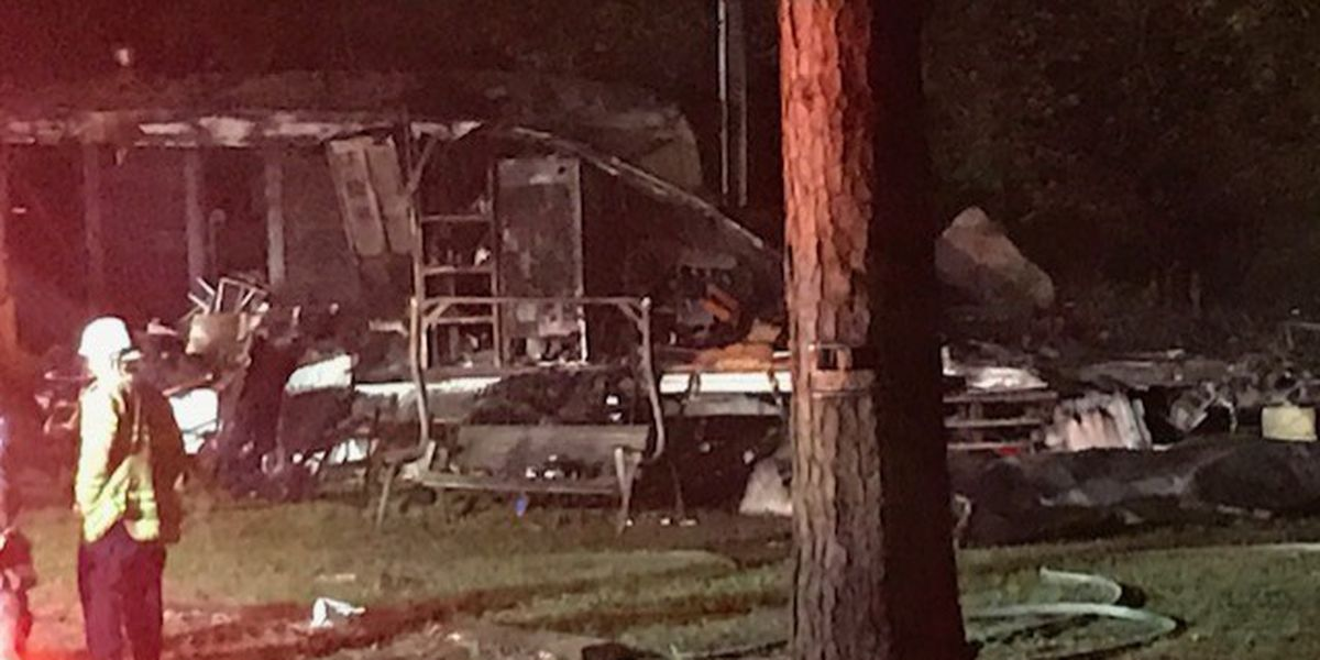 Mobile home in Cottondale burns to the ground Tuesday morning