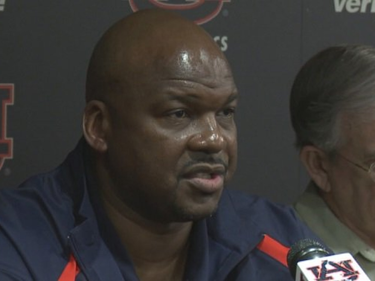 Former Auburn assistant basketball coach avoids prison