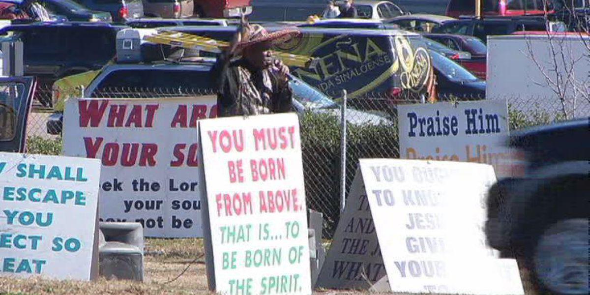 'Jesus Man' on Lakeshore Parkway passes away at age 80