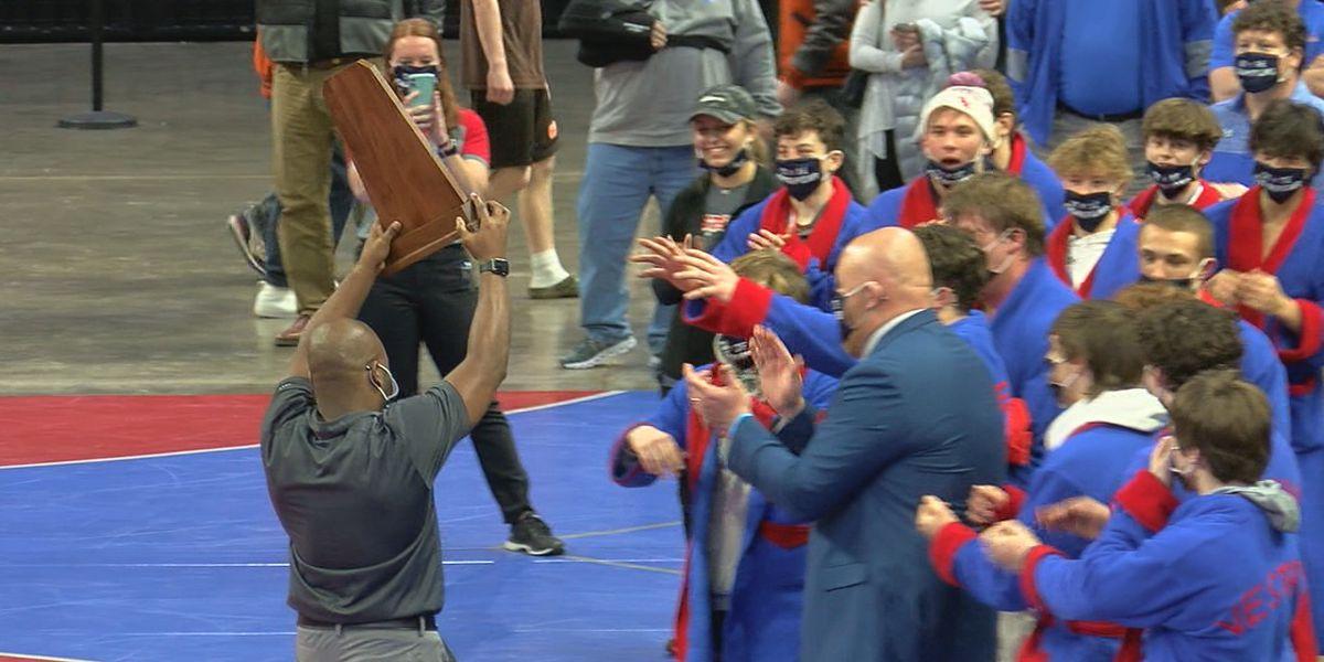 Vestavia Hills knocks off 3-time defending state champs, Thompson, for 7A wrestling title