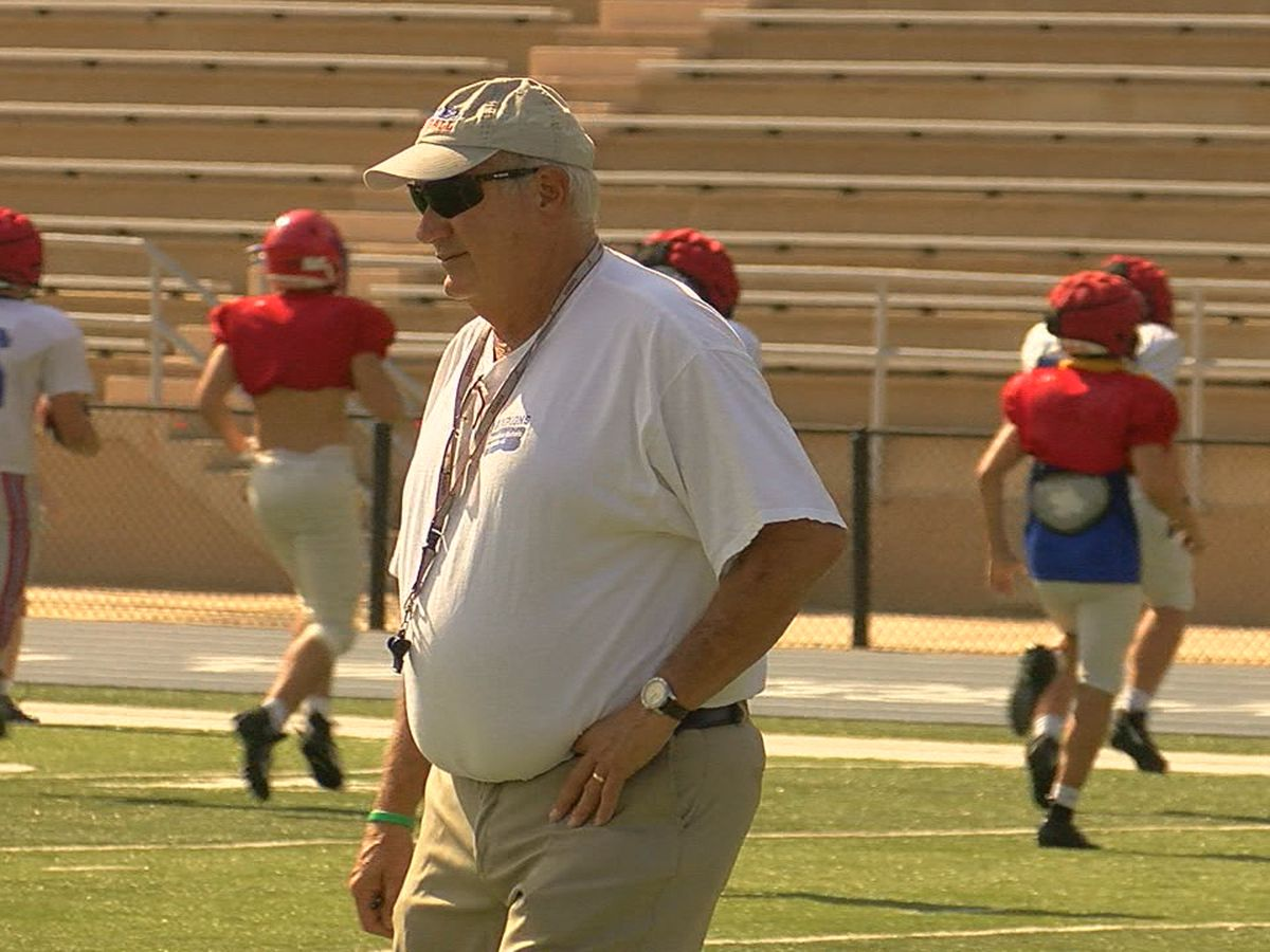 Vestavia Hills' Buddy Anderson retiring from coaching after 2020 season