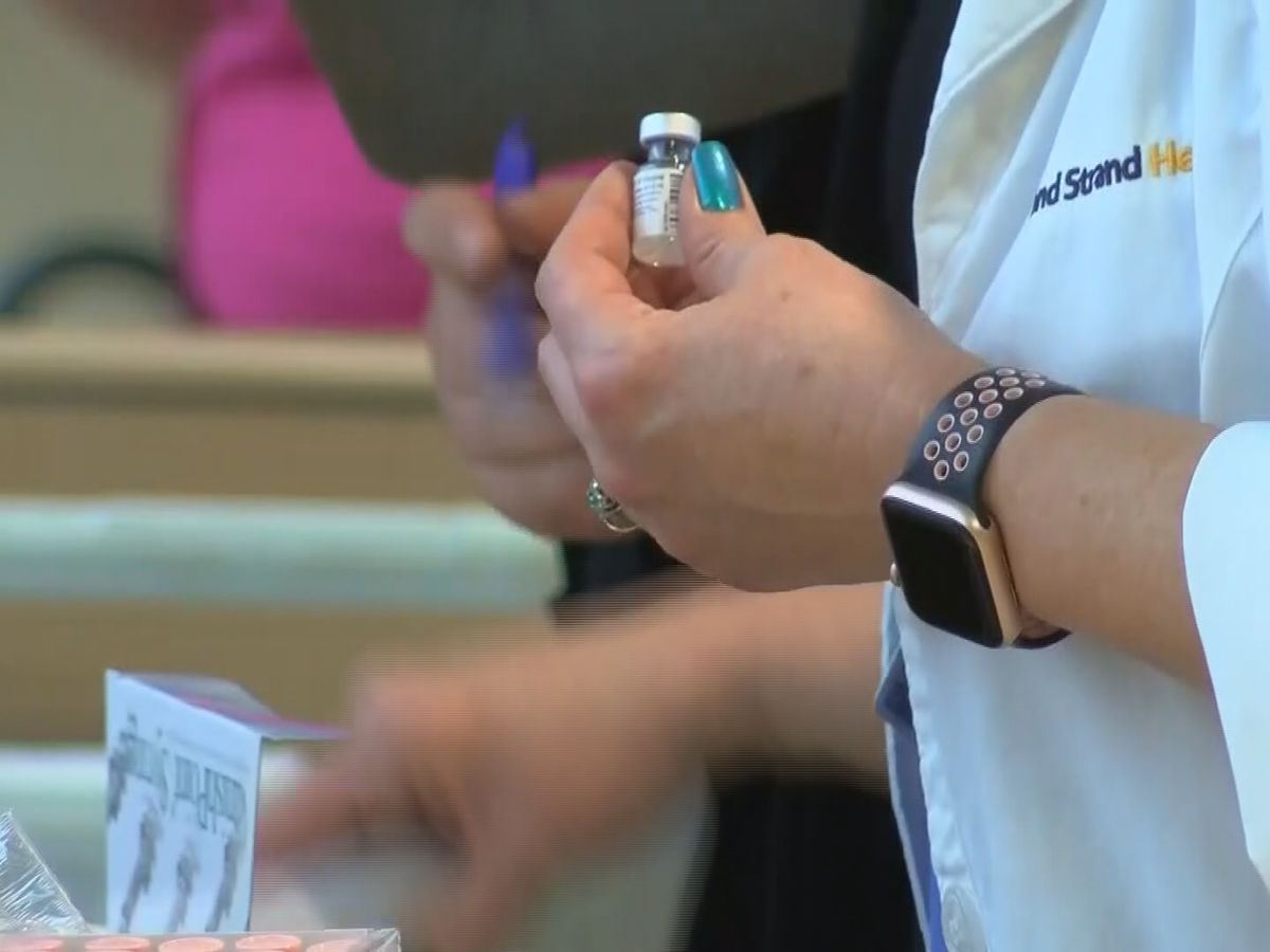 Agencies, Facebook groups helping people register for the COVID vaccine
