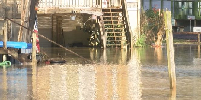 Residents trapped by flood waters in Walker Co.