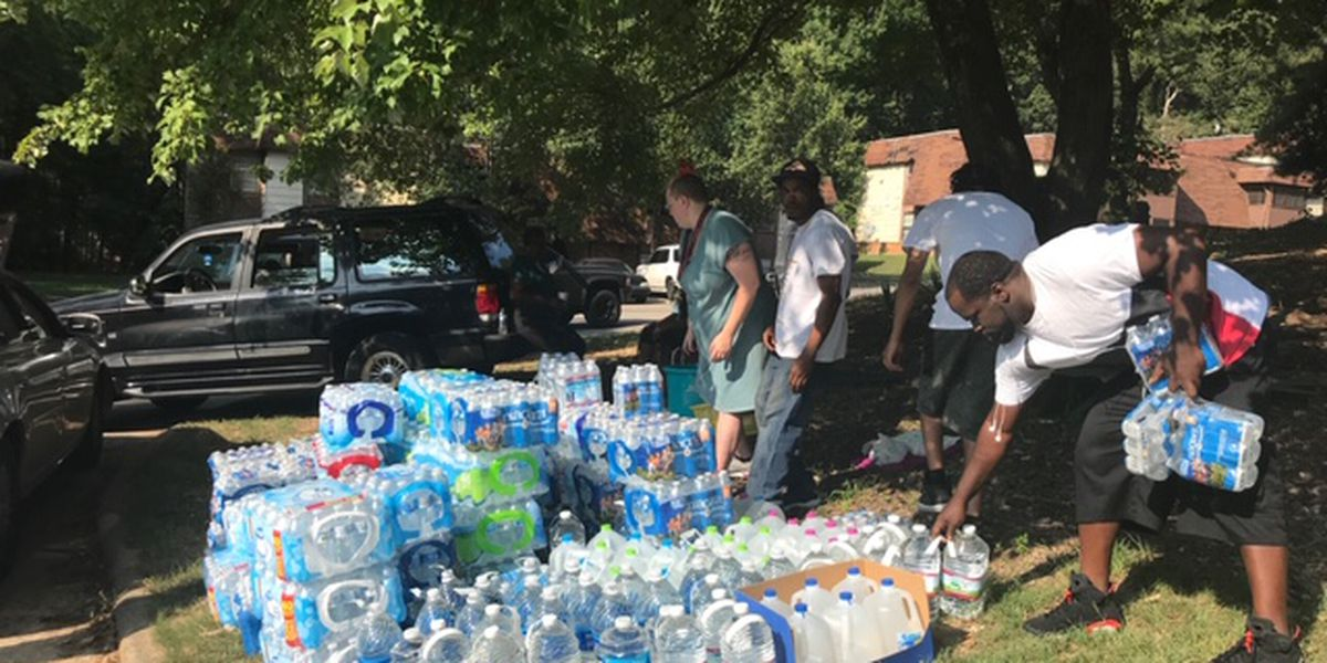 Woodside Condominiums residents and landlords clash over delinquent $136,000 water bill