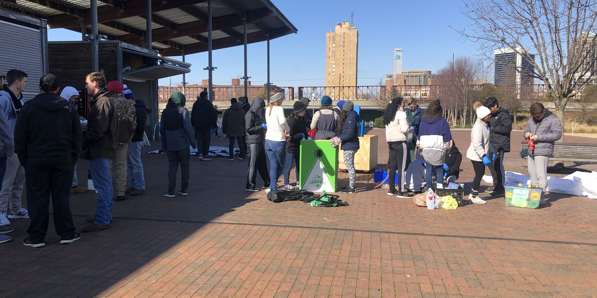 UAB Students giving back in honor of Dr. Martin Luther King Jr.