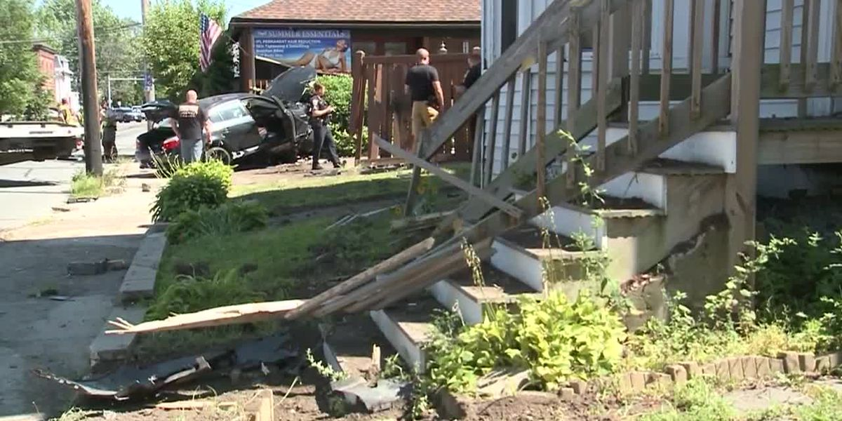 Caught on camera: Suspect crashes into N.H. apartment while fleeing police